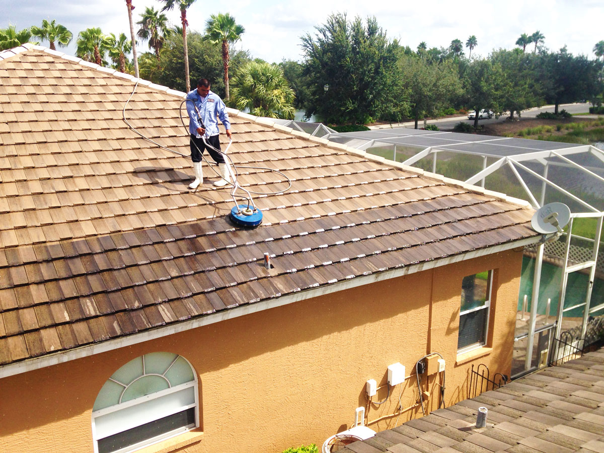 Roof Cleaning In South Florida